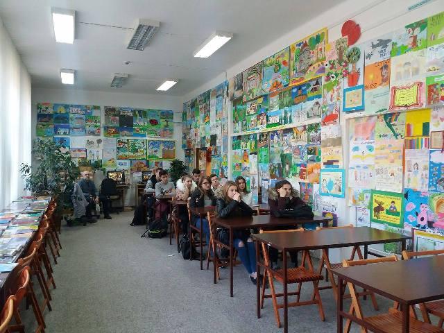 Oglądasz fotografię z artykułu: Ciekawa lekcja w Bibliotece Pedagogicznej w Mielcu.
