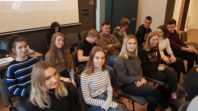 Oglądasz fotografię z artykułu: Młodzież z Zespołu Szkół Budowlanych uczestniczy w projekcie Debat Oksfordzkich