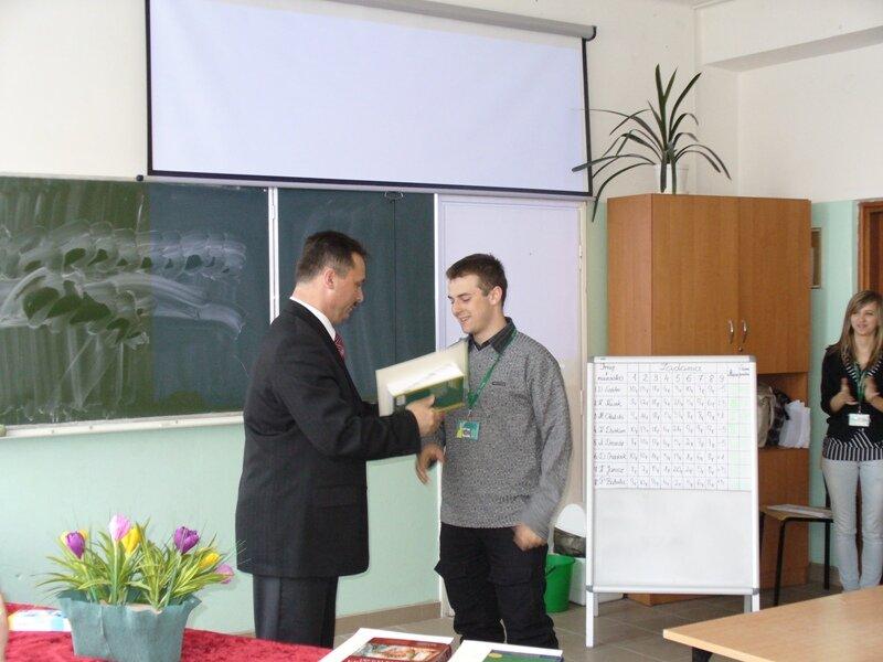 Oglądasz fotografię z artykułu: Szkolny Konkurs Ortograficzny - Dyktando 2010