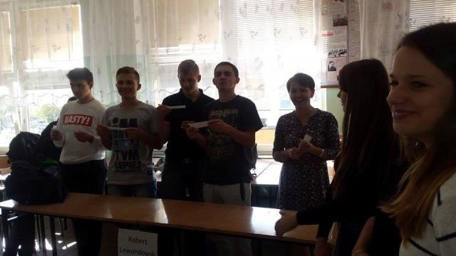 Oglądasz fotografię z artykułu: Niezapomniany Dzień Chłopaka w klasie III Tb