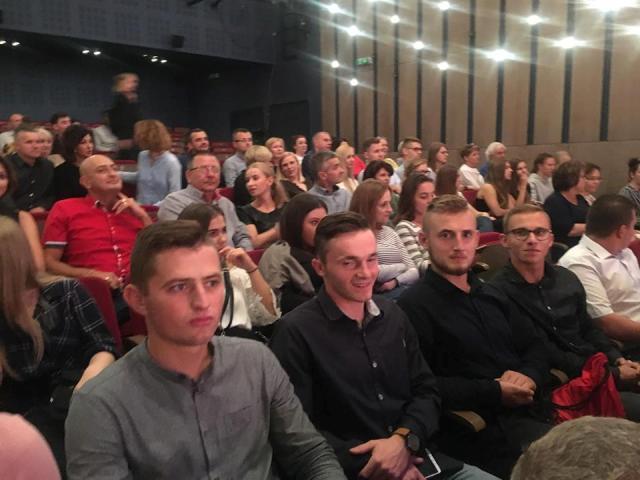 Oglądasz fotografię z artykułu: Wieczorna integracja w rzeszowskim teatrze
