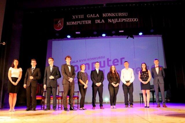 Oglądasz fotografię z artykułu: Wyróżnieni uczniowie Zespołu Szkół Budowlanych na gali 'Komputer dla Najlepszego'