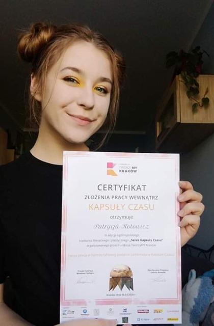 Oglądasz fotografię z artykułu: Uczennice Zespołu Szkół  Budowlanych laureatkami konkursu literackiego