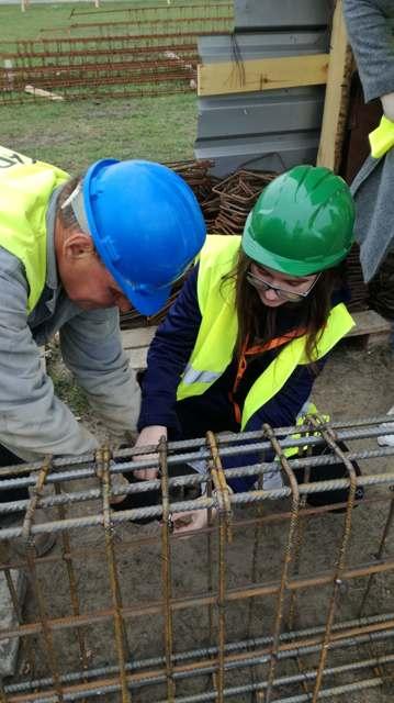 Oglądasz fotografię z artykułu: Lekcje przedmiotów zawodowych na budowie