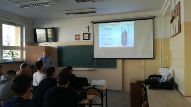 Oglądasz fotografię z artykułu:  Współpraca firmy 'Kospel' w kształceniu Techników i monterów instalacji sanitarnych.
