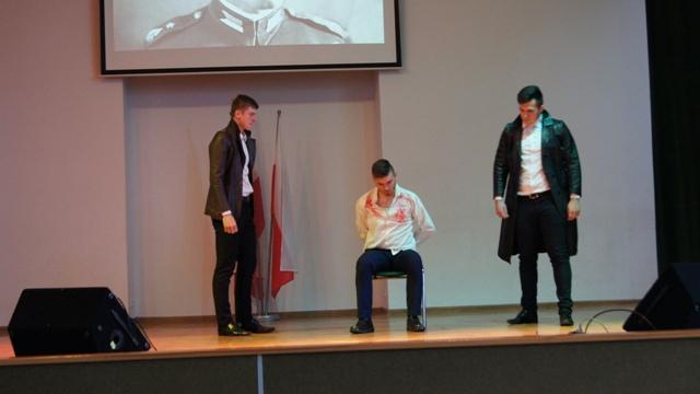 Oglądasz fotografię z artykułu:  Święto patrona szkoły w ZSB