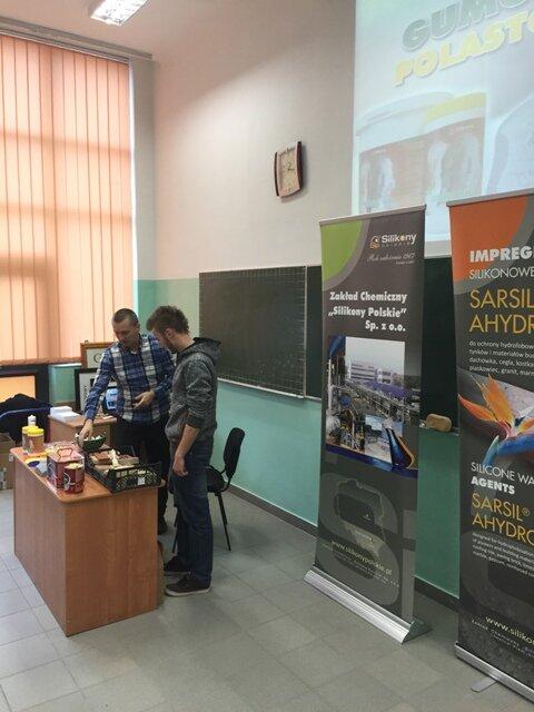 Oglądasz fotografię z artykułu: Prezentacja wyrobów firmy Silikony Polskie.