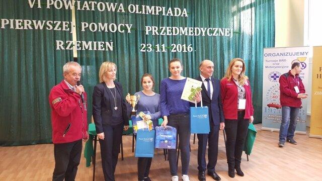 Oglądasz fotografię z artykułu: VI Powiatowa Olimpiada Pierwszej Pomocy Przedmedycznej