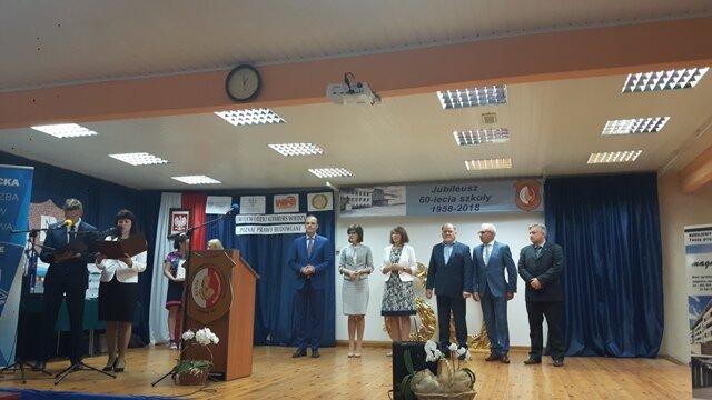 Oglądasz fotografię z artykułu: Uczennice mieleckiej budowlanki najlepsze w województwie