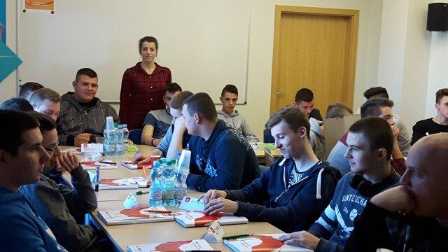 Oglądasz fotografię z artykułu: Niecodzienna lekcja dla uczniów Zespołu Szkół Budowlanych w Mielcu