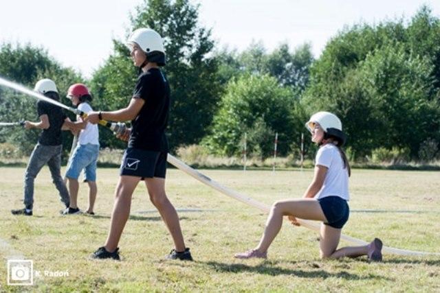 Oglądasz fotografię z artykułu: Klasy strażackie walczyły o Puchar Dyrektora Szkoły